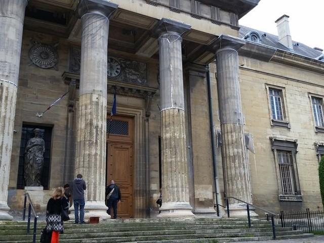 A Reims, une femme mise en examen pour avoir poignardé à mort son conjoint