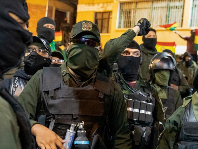 """Bolivie : mutineries dans la police, le président Evo Morales dénonce un coup d'État """"en cours"""""""