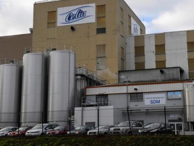 Laits contaminés par des salmonelles : Lactalis savait selon Le Canard enchaîné