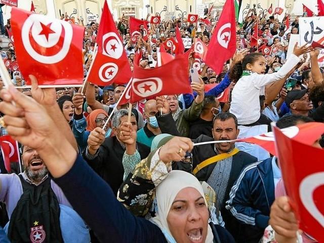 En Tunisie, plus de 6000 manifestants «contre le coup d'État» du président