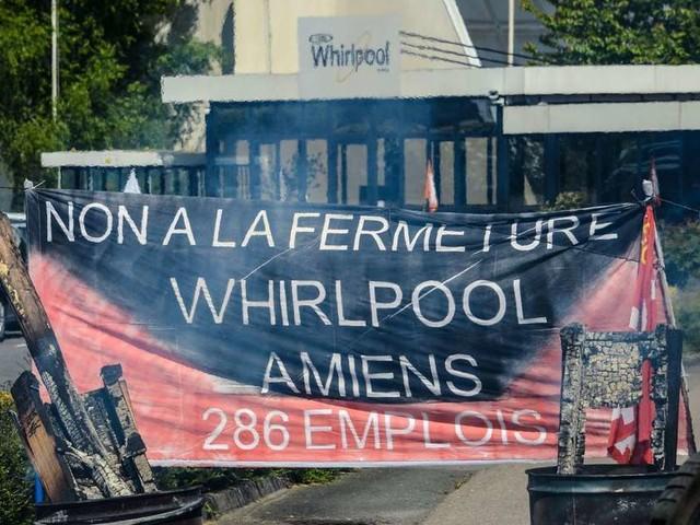 """Du """"miracle industriel"""" au """"fiasco"""", les ex-Whirlpool d'Amiens en quête de réponse"""