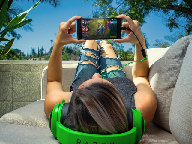 Le PDG de Razer précise que le retrait du port jack améliore le smartphone
