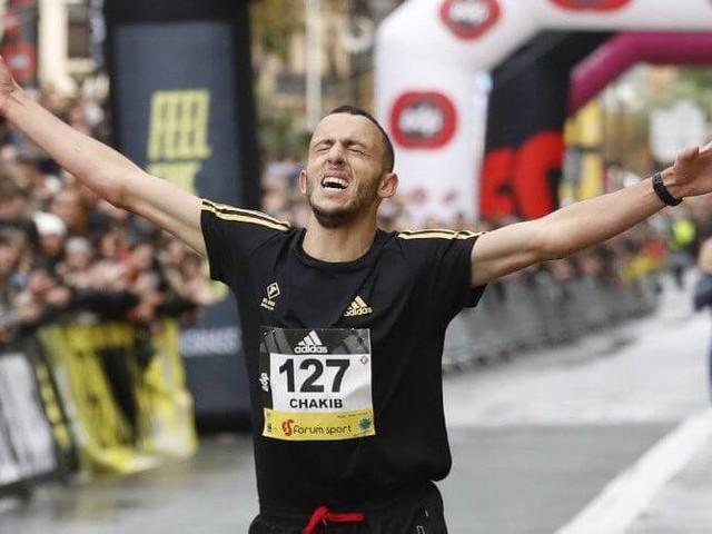 Arrivé clandestinement en Espagne, il devient champion 10 ans après
