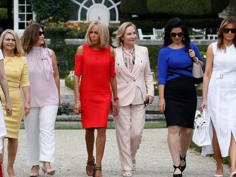 """G7 : les """"premières dames"""" découvrent le village du piment basque"""