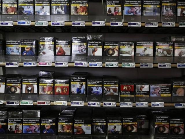 Prix des cigarettes : les astuces des Français pour payer moins cher le tabac
