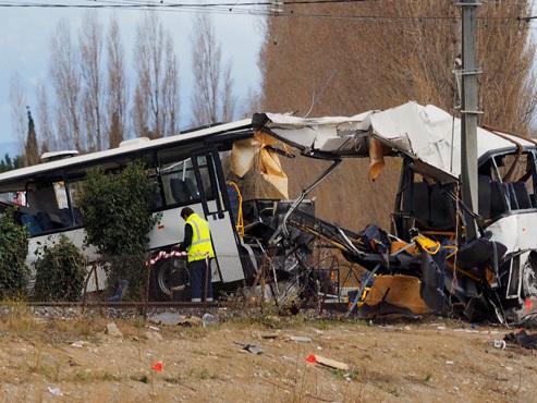 """Collision entre un train et un bus scolaire à Millas: la conductrice """"en état de choc"""" révèle sa version des faits aux enquêteurs"""