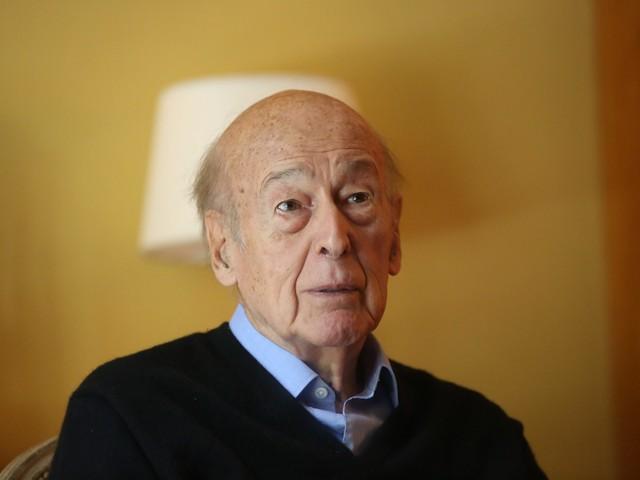 Valéry Giscard d'Estaing : l'ancien président de la République hospitalisé à Tours