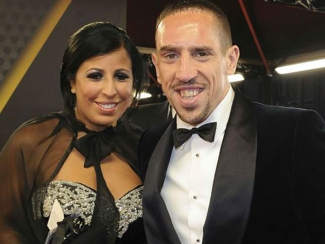Franck Ribéry : sa femme, Wahiba, lui offre un cadeau indécent... Découvrez le prix !