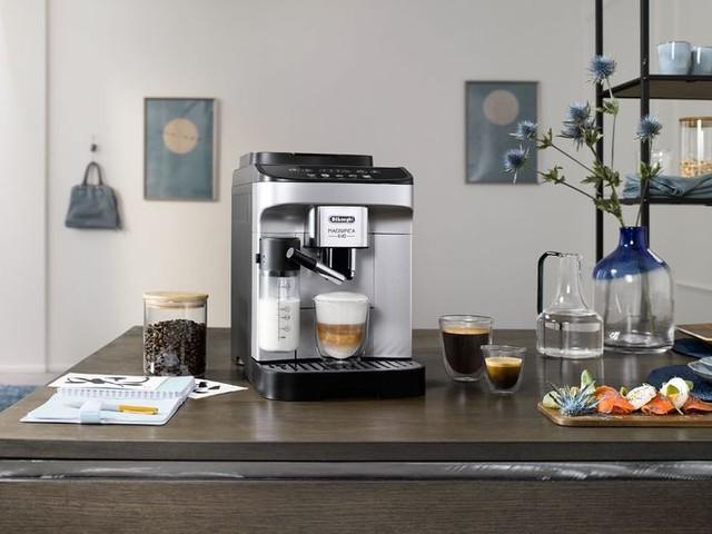 Actualité : Magnifica Evo : le nouveau visage de la cafetière automatique d'entrée de gamme de Delonghi
