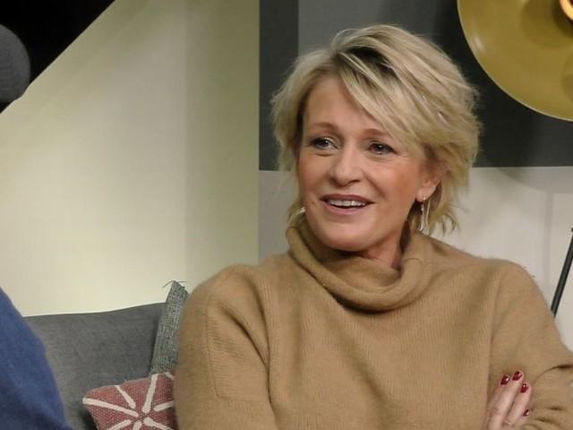 """""""Je déteste l'hypocrisie en la matière"""" : Sophie Davant très cash sur la chirurgie esthétique (VIDEO)"""