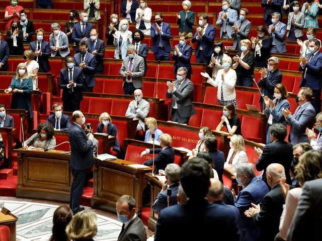 La loi climat définitivement adoptée au Parlement