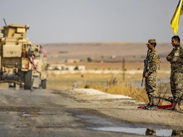 """EN DIRECT - Offensive en Syrie : les forces militaires turques menacent de """"neutraliser"""" les milices kurdes à la fin de la trêve"""