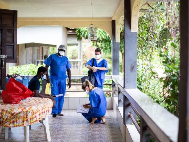 """Guyane : la situation sanitaire reste """"très problématique"""" selon Christophe Robert, le directeur du centre hospitalier qui fait appel """"à la solidarité"""""""