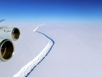 Antarctique: un gigantesque iceberg se détache