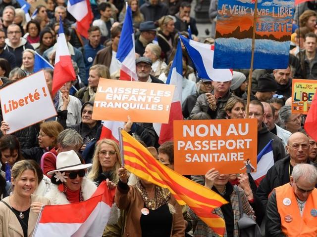 Coronavirus: 40.000 personnes ont manifesté contre le pass sanitaire sur l'ensemble du territoire français ce samedi