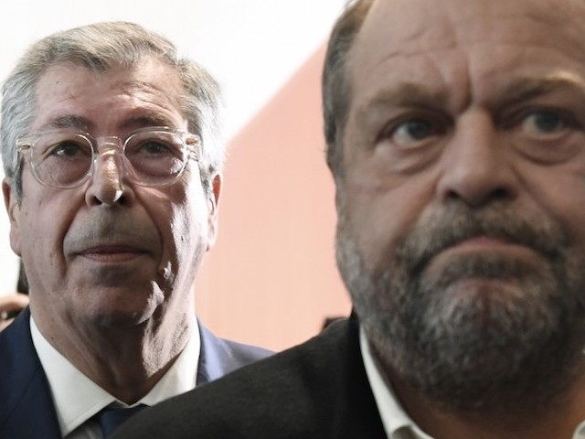 """""""J'ai horreur de la corruption"""" : Balkany et les lingots de son père à la barre"""