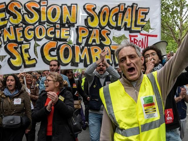 Pour Manuel, gilet jaune éborgné, j'ai créé une cagnotte de solidarité et je ferai grève le 5 décembre