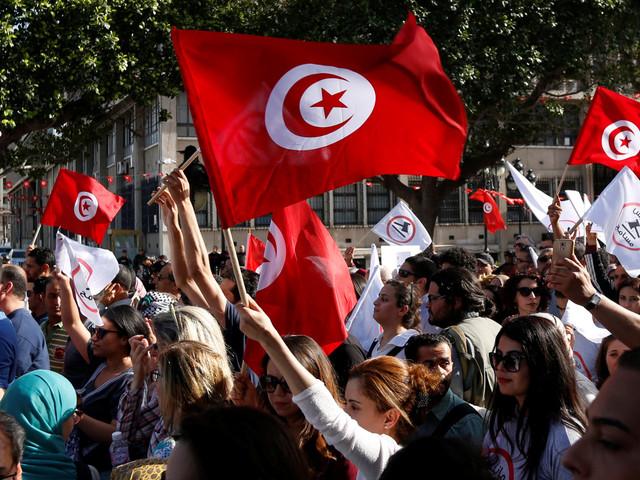 Entre satisfaction et frustration, ce rapport dresse l'évolution de la perception des Tunisiens de la situation du pays