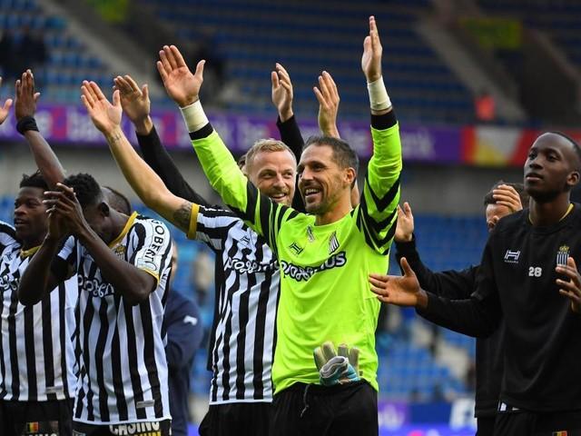 Le SC Charleroi enchaîne une quatrième victoire en quatre matches à Genk (0-1)