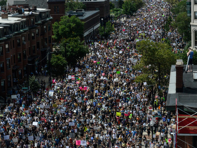 """Nouveau rassemblement d'extrême droite à Boston pour """"la liberté d'expression"""", une semaine après Charlottesville"""