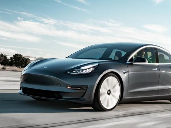 Tesla Model 3 : une mise à jour à 2000 $ pour gagner une demie seconde