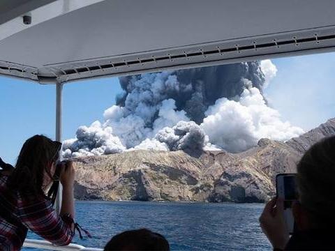 Nouvelle-Zélande: Une enquête criminelle ouverte après l'éruption meurtrière d'un volcan