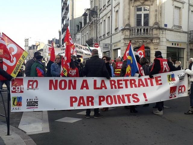 """Réforme des retraites : """"Le gouvernement veut faire contre le peuple"""", dénonce la CGT du Cher"""