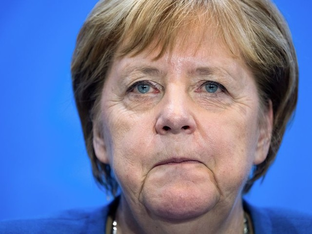 Le SPD vote contre un départ immédiat de la coalition Merkel