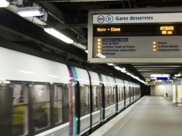 RER B: trafic suspendu plusieurs heures par une panne de caténaire