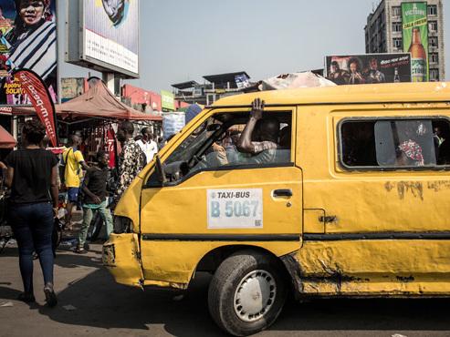 L'enfer des transports collectifs à Kinshasa: voici comment ça se passe dans la mégapole congolaise