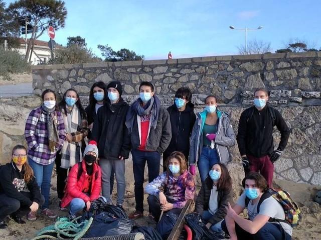 Arcachon : reprise des collectes de déchets sur les plages