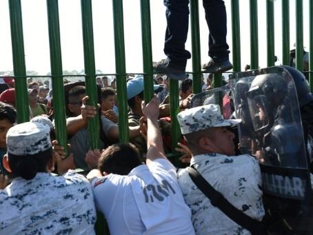 Caravane de migrants: le Mexique appelle au calme