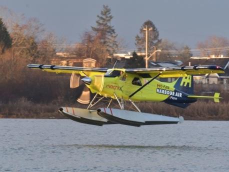 Canada: vol d'essai réussi pour le premier hydravion commercial électrique