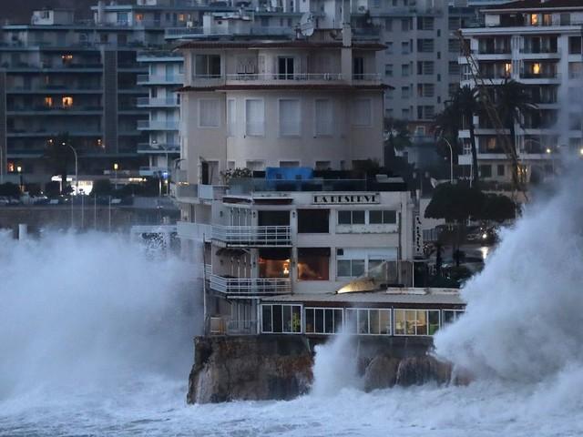 La tempête Elsa fait 8 morts en Espagne et au Portugal, un homme porté disparu en France