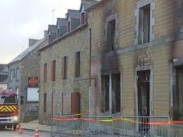 En Bretagne, un chien sauve son maître mais meurt dans l'incendie