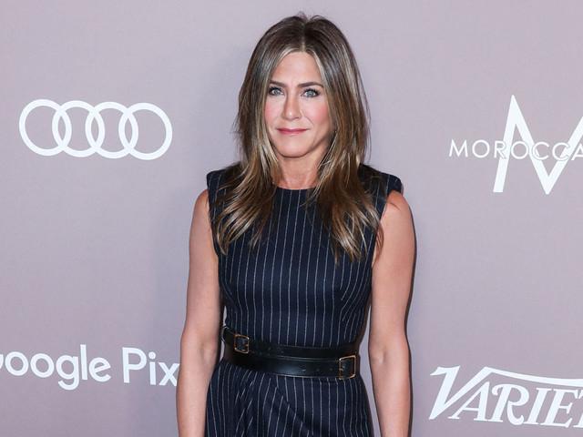 Jennifer Aniston rejoint (enfin) Instagram et publie un cliché inédit de ses « Friends »