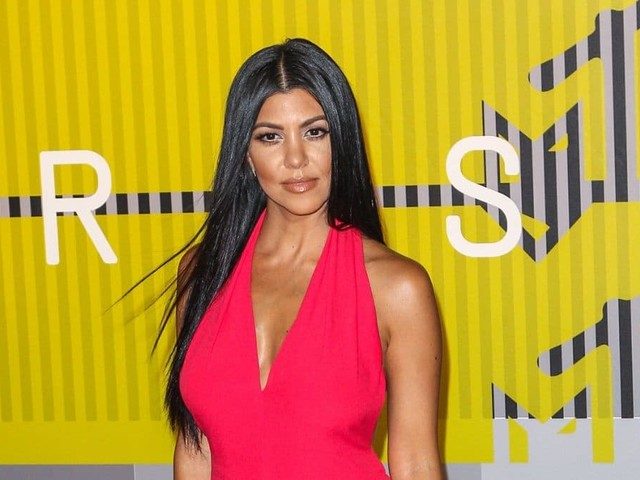 Kourtney Kardashian appelle au port du masque sur Instagram