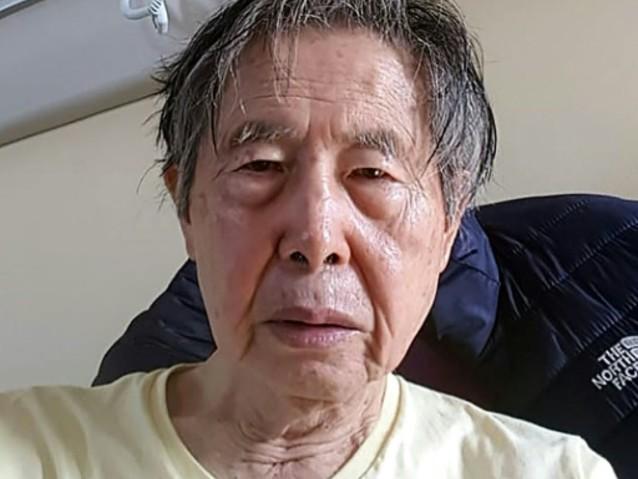 """Pérou: Fujimori retourne en prison, où il craint une """"mort lente"""""""