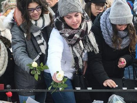 Un an après l'attentat du marché de Noël, Strasbourg rend hommage aux victimes