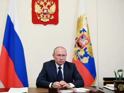 La Russie 4e pays le plus touché, Poutine autorise un déconfinement à la carte