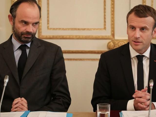 Face à la grève, l'Élysée promet de sortir de l'ambiguïté la semaine prochaine