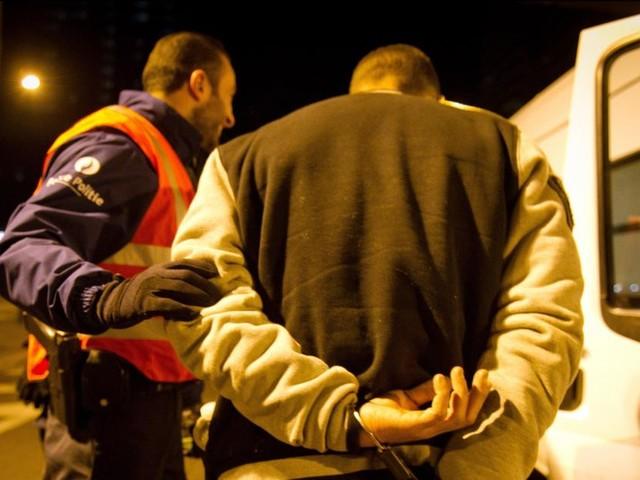 Un homme alcoolisé blesse deux policiers après une altercation à Namur