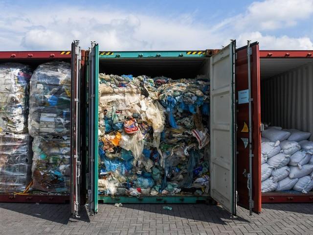 La Malaisie renvoie des déchets plastiques illégaux vers leurs pays d'origine