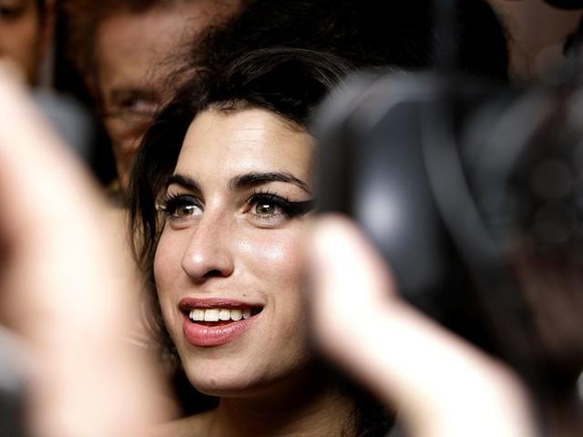 Britney Spears et Amy Winehouse, la bataille de l'une réveille le souvenir de l'autre