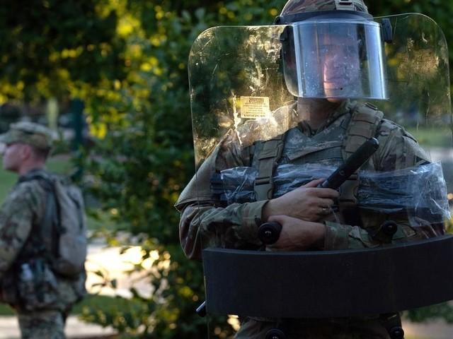 Mort de George Floyd: plusieurs États américains en appellent à la Garde nationale