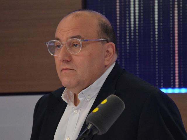 """Rixes mortelles en Essonne : """"Des gamins de 13-14 ans qui ont l'impression qu'ils sont en train de jouer au dernier jeu vidéo à la mode"""", décrit l'ancien député Julien Dray"""