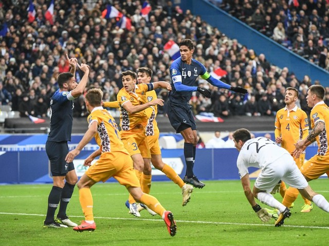 La qualification et une victoire laborieuse pour les Bleus