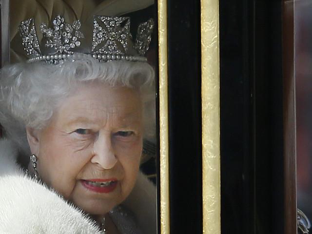 Le financement de la reine Élisabeth II est augmenté à plus de 135 millions $