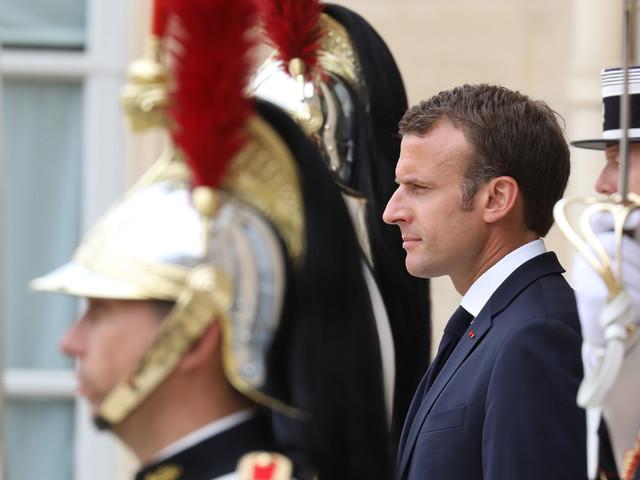 Pour la première fois, Emmanuel Macron reçoit les syndicats et le patronat