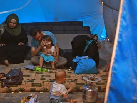 Avec la frontière à portée de vue, des Syriens rêvent de la Turquie